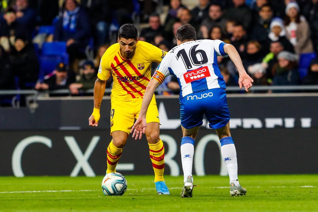 اسبانيول يفرض التعادل على برشلونة في ديربي كتالونيا والاخير يستعيد الصدارة