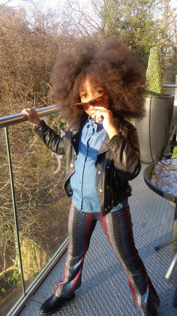 I see you #zoobuglondon #alegremedia #smudgetikka #kidsfashion #minimode_lkfw #trendsetter #fashionkids_worldwide #jrstylekids #kidsfashionblogger  @BritishVogue @edward_enninful #bighairdontcare #childrenfashion #naturalhairdaily #childmodel @BizzykidzAgency #bizzykidzagencypic.twitter.com/ubg2rUAUrs