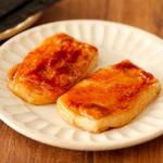 シンプルに砂糖醤油で調理するのもやっぱり美味しい!こんがり甘じょっぱい「砂糖醤油餅」のレシピ!