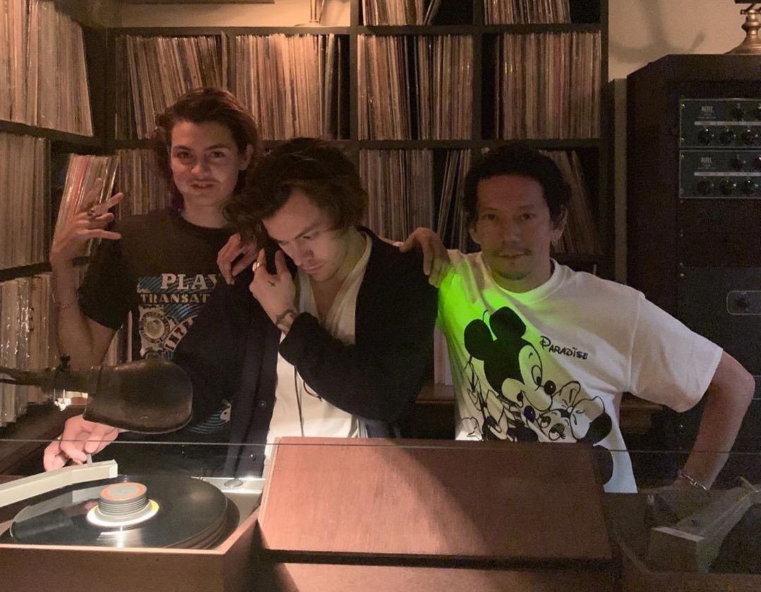 Hsd On Twitter Harry Used To Go To This Record Bar And Listened To His Favorite Things But There Was A Wings Record He Wanted To Hear At That Time The Next