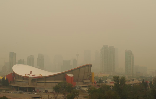 Like in Australia, America & probably every other jurisdiction on the planet, Canada has a hardworking  #RightWing dead set against impactful  #ClimateAction  . Recall Alberta's Premier Kenney famously cancelling his  #AntiCarbonTax speech because there was just  #TooMuchSmoke /7