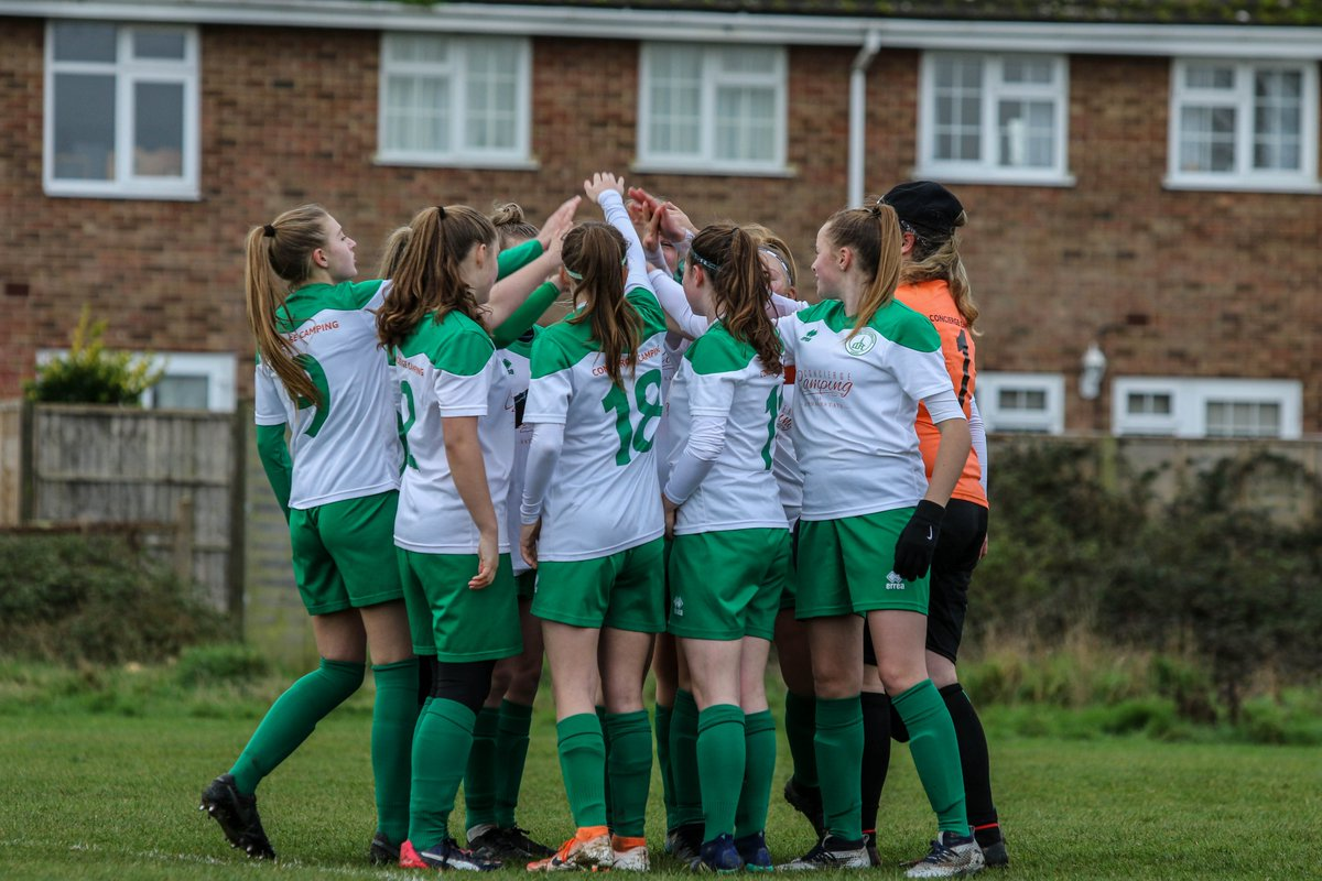 Girls just wanna have fun! @ChiCityLadiesFC U15's Greens starting 2020 with a friendly against Saywell Hawks U16's ending in a draw. #UpThePups #thesegirlscan #greenarmy #sportsphotography #clubphotographer #bringonrestofseason pic.twitter.com/CMt3qBVyGr