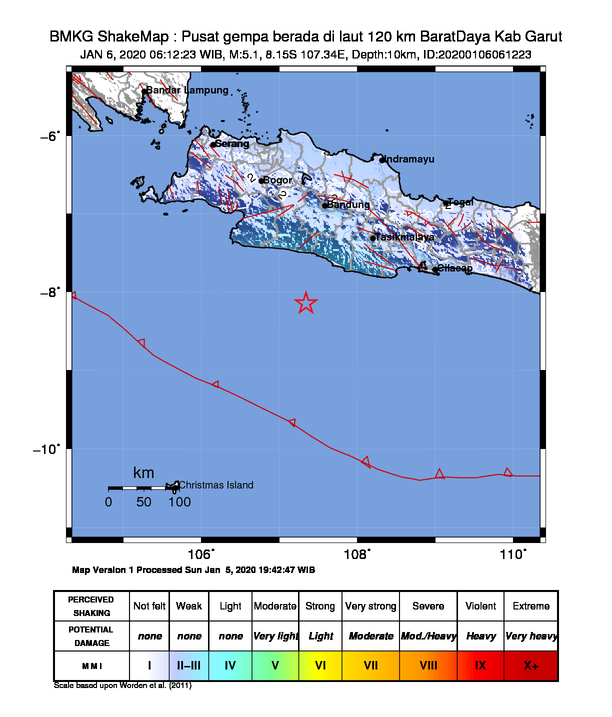 #Gempa Mag:5.1, 06-Jan-20 06:12:23 WIB, Lok:8.15 LS, 107.34 BT (Pusat gempa berada di laut 120 km BaratDaya Kab Garut), Kedlmn:10 Km Dirasakan (MMI) III Kab. Sukabumi, III Palabuhan Ratu, II Kab. Bandung #BMKG https://t.co/rttiYFsldq