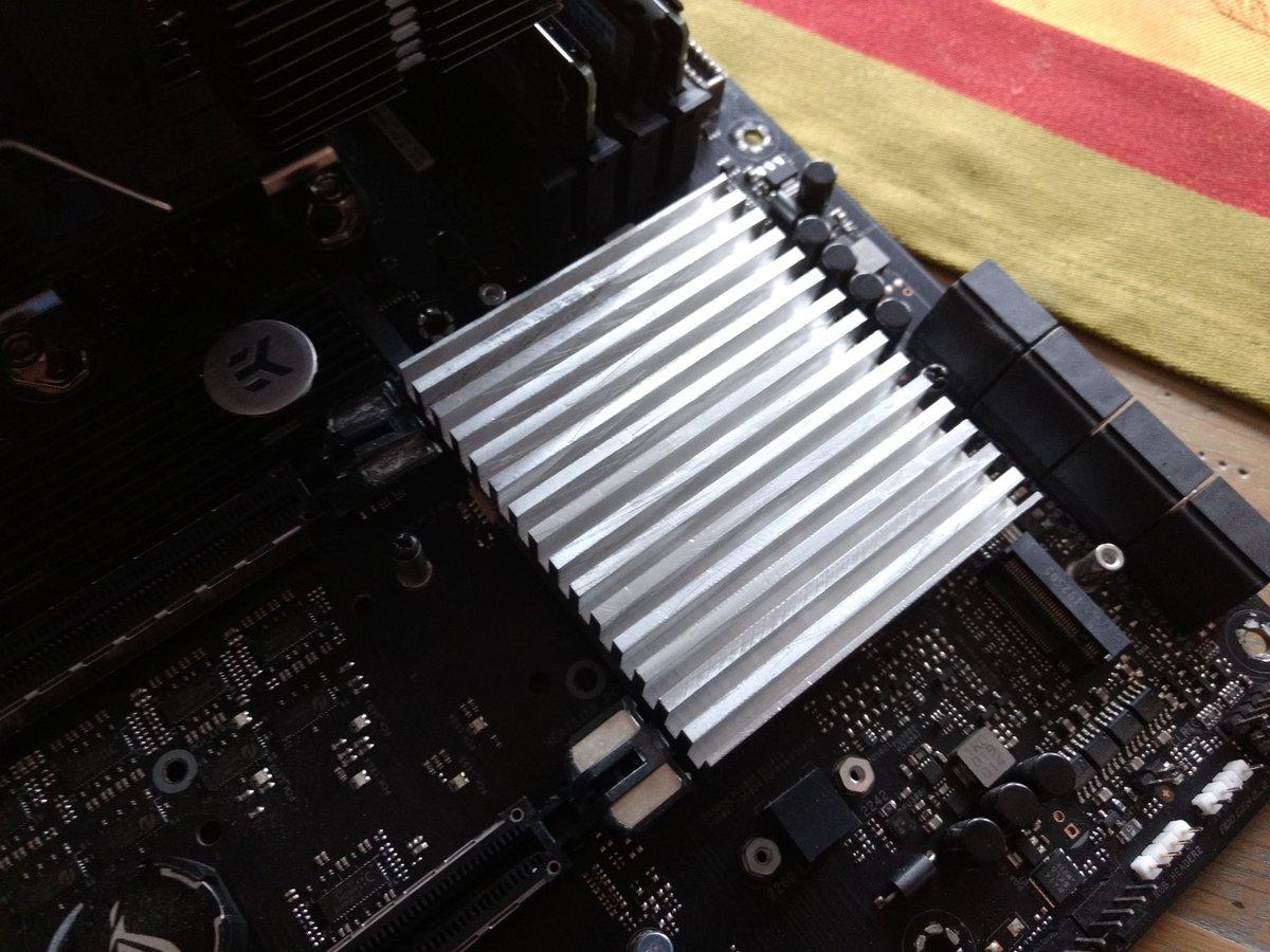 """FanlessTech on Twitter: """"DIY passive X570 chipset cooler  https://t.co/45KT16WVdG… """""""