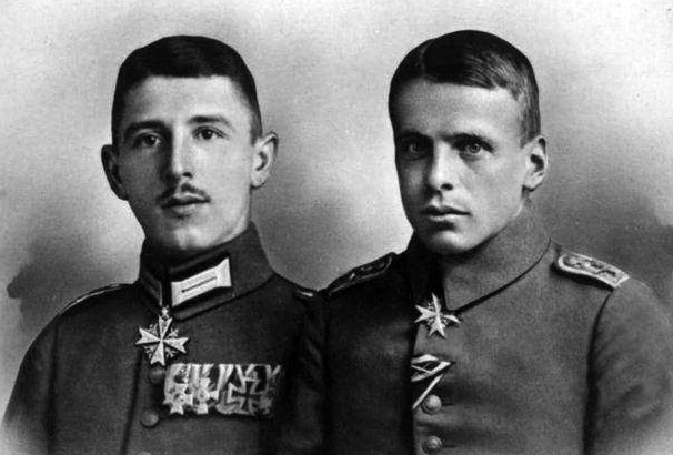 On this day in 1916, two German flying aces - Max Immelmann & Oswald Boelcke - are both awarded the Pour le Mérite aka the Blue Max for downing eight Allied aircraft each.
