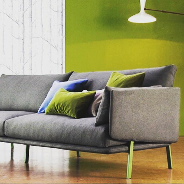 • S E A T I N G •  It's so nice just to sit down and relax ... time to chill ... take five ! • Available in different fabrics c. • Taylorscot ... always thinking outside the box . • #interior4inspo #interior4homes #italiandesign #interior_and_liv… https://ift.tt/2Qro93R pic.twitter.com/4huJu7tbAG