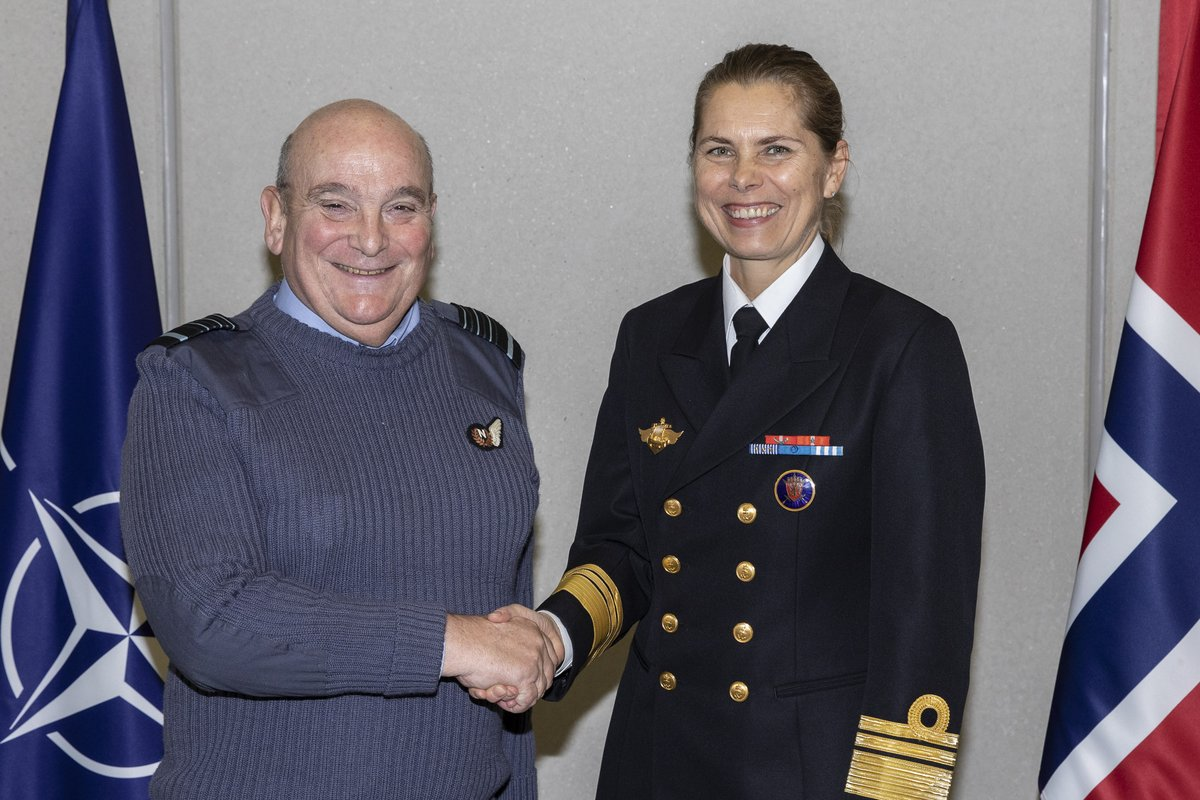 #MakingHistory – today ACM Peach welcomed VADM Dedichen as the 🇳🇴 Milrep & 1st woman to serve on the #NATOMC. More women in Allied Armed Forces means more women in #NATO military positions. #NATO supports #GenderEquality at all levels & across all domains.