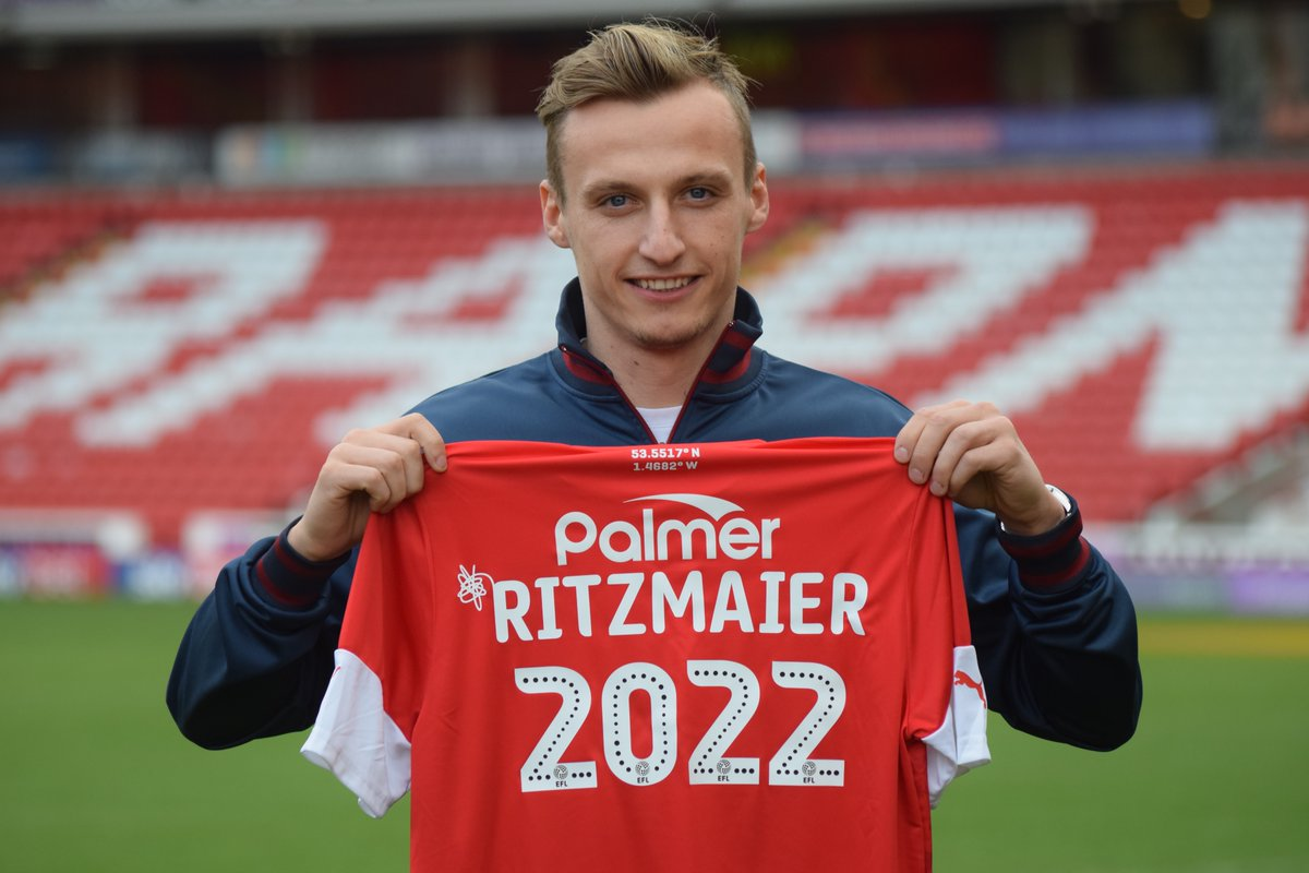 📄🖊️ We are delighted to announce the signing of Marcel Ritzmaier, who joins from @WolfsbergerAC!  #YouReds | #WelcomeMarcel https://t.co/EQHmli7ZlH