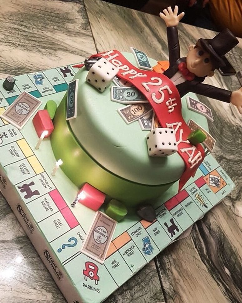 Monopoly cake 🎩🎲 . #الرياض #الخبر #الدمام https://t.co/I7J39yWuCc