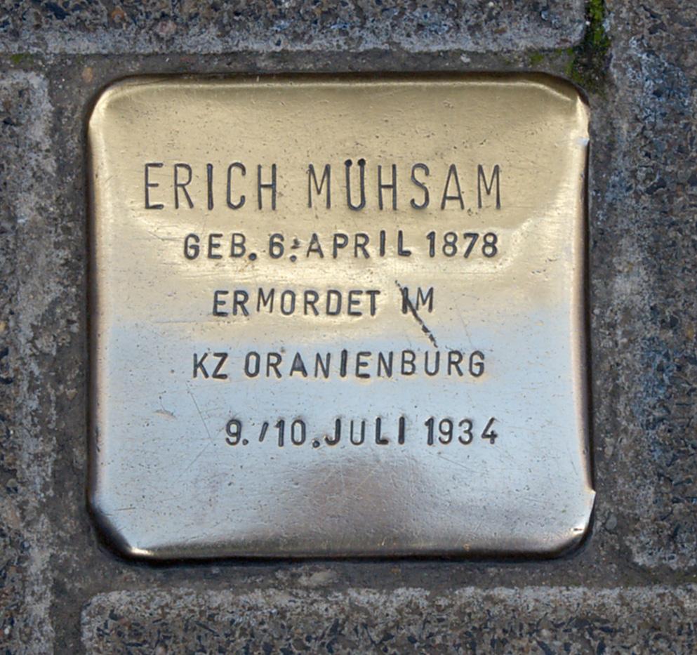 Stolperstein für Erich Mühsam in Lübeck vor dem Buddenbrockhaus
