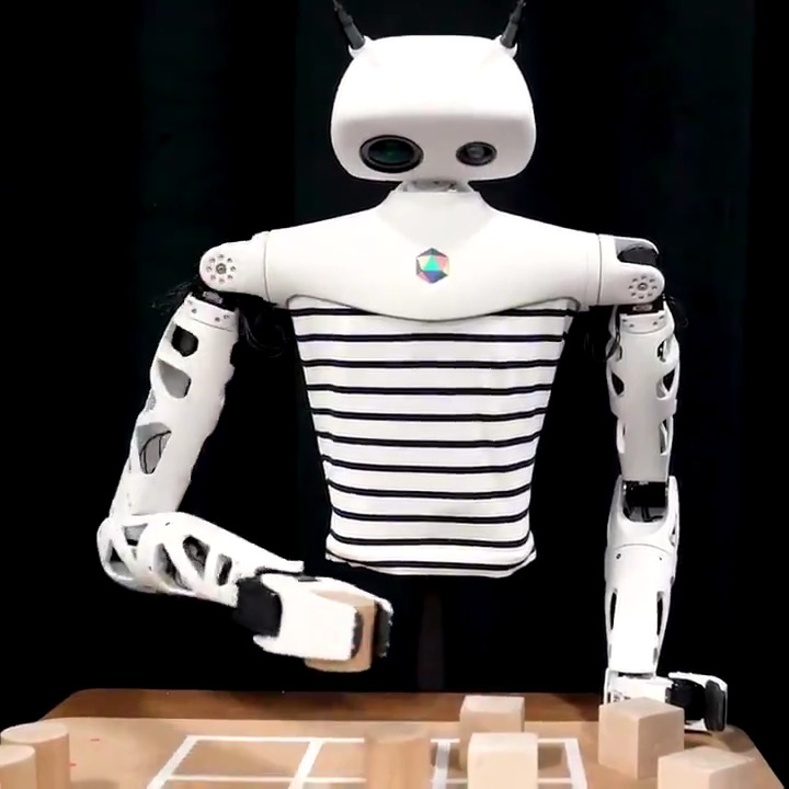 """Image for the Tweet beginning: 💠Meet """"Reachy"""" by @pollenrobotics who"""