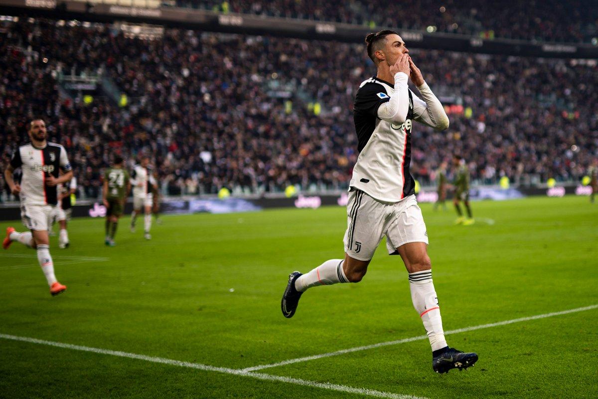 Криштиану Роналду официально вернулся в «Манчестер Юнайтед»