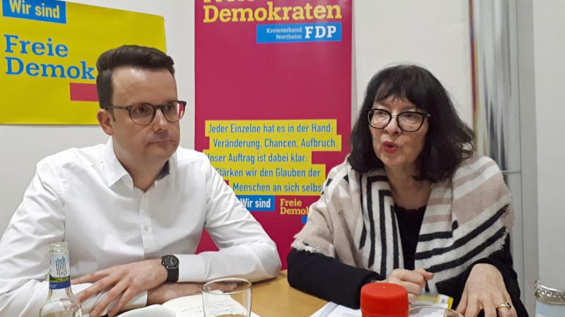 Neues im Einbecker #Politikblog  https://einbeckerpolitik.wpcomstaging.com/2020/01/06/buergermeisterwahl-wen-unterstuetzt-die-fdp/… #Einbeck #FDP #Bürgermeisterwahl  @CGrascha @MDoebelingpic.twitter.com/qoX5aBIMcH