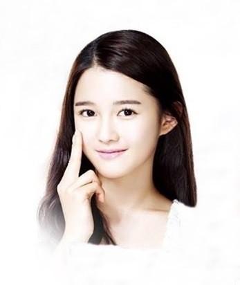 Koreanerinnen sind bekannt für ihre schöne, reine Haut, denn eine makellose, straffe Haut und ein ebenmäßiger Teint sind das Schönheitsideal in Korea.  Hier sind 5 Gründe für koreanische Kosmetik: https://www.seemyskin.de/k-beauty-blog/5-gruende-fuer-koreanische-kosmetik… #seemyskin #kbeautyblog #koreanischekosmetikpic.twitter.com/RktiBwedAK