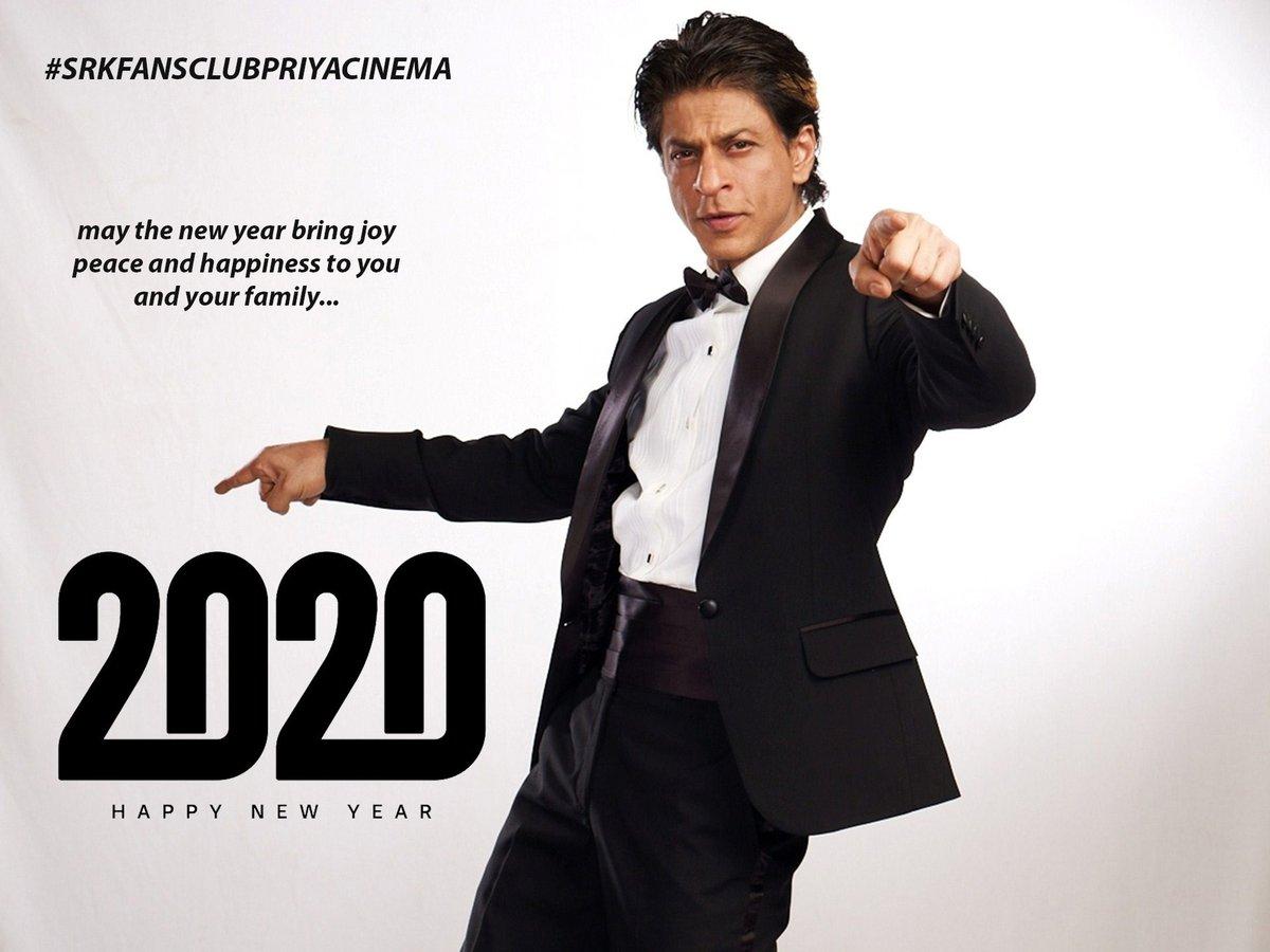 #HappyNewYear #SRK sir we love you @iamsrk @pooja_dadlani @RedChilliesEntpic.twitter.com/2DmeMs6O9B