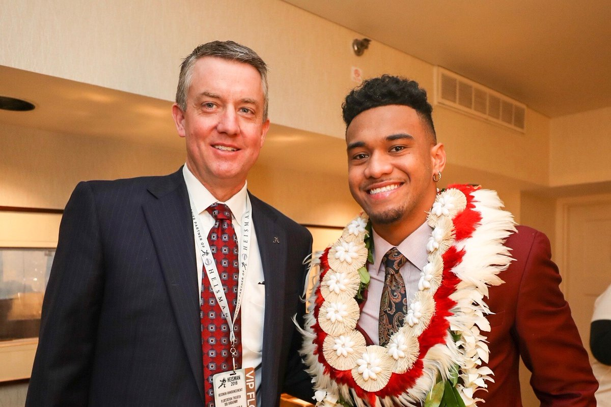 As AD, you want to get to know as many of your 650 SAs as possible, but it is often challenging because of the sheer #s. However, @Tuaamann has been 1 of the most impactful Ive been around both on & off the field. We look forward to watching his continued success. #RollTide 🐘