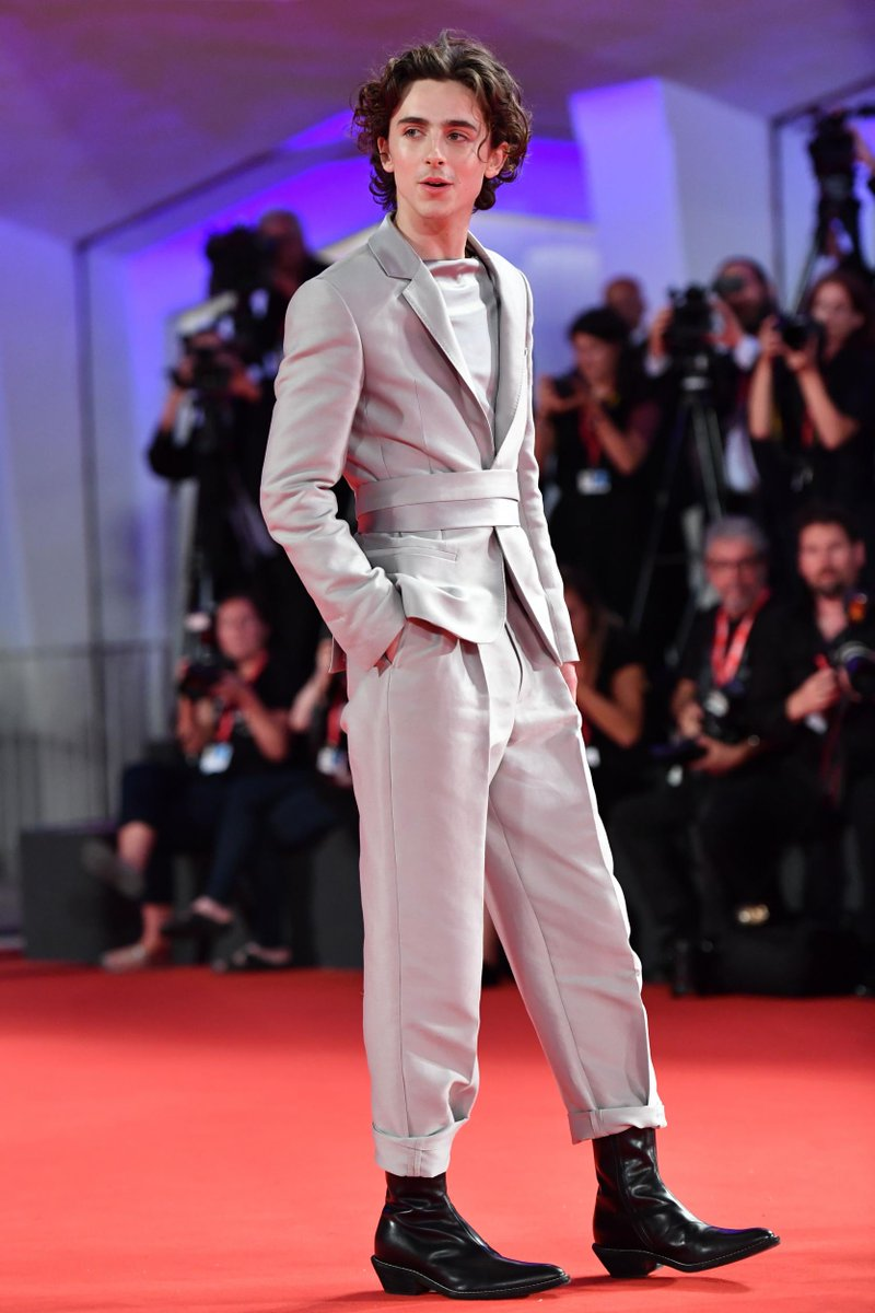 Fandango בטוויטר Timothée Chalamet Will Be Blowin In The Wind When He Plays Bob Dylan In A Biopic For James Mangold Ford V Ferrari But Previously The Johnny Cash Biopic Walk The