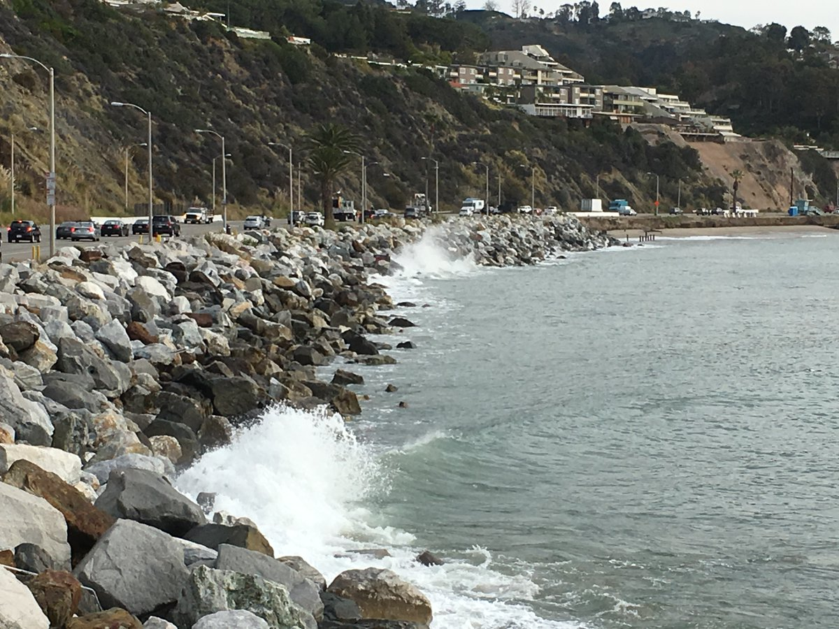 """USC Sea Grant on Twitter: """"#KingTides are coming to CA's coast this  weekend. Attend one of our beach walks to observe, photograph and learn  more about how these extreme tides affect our"""