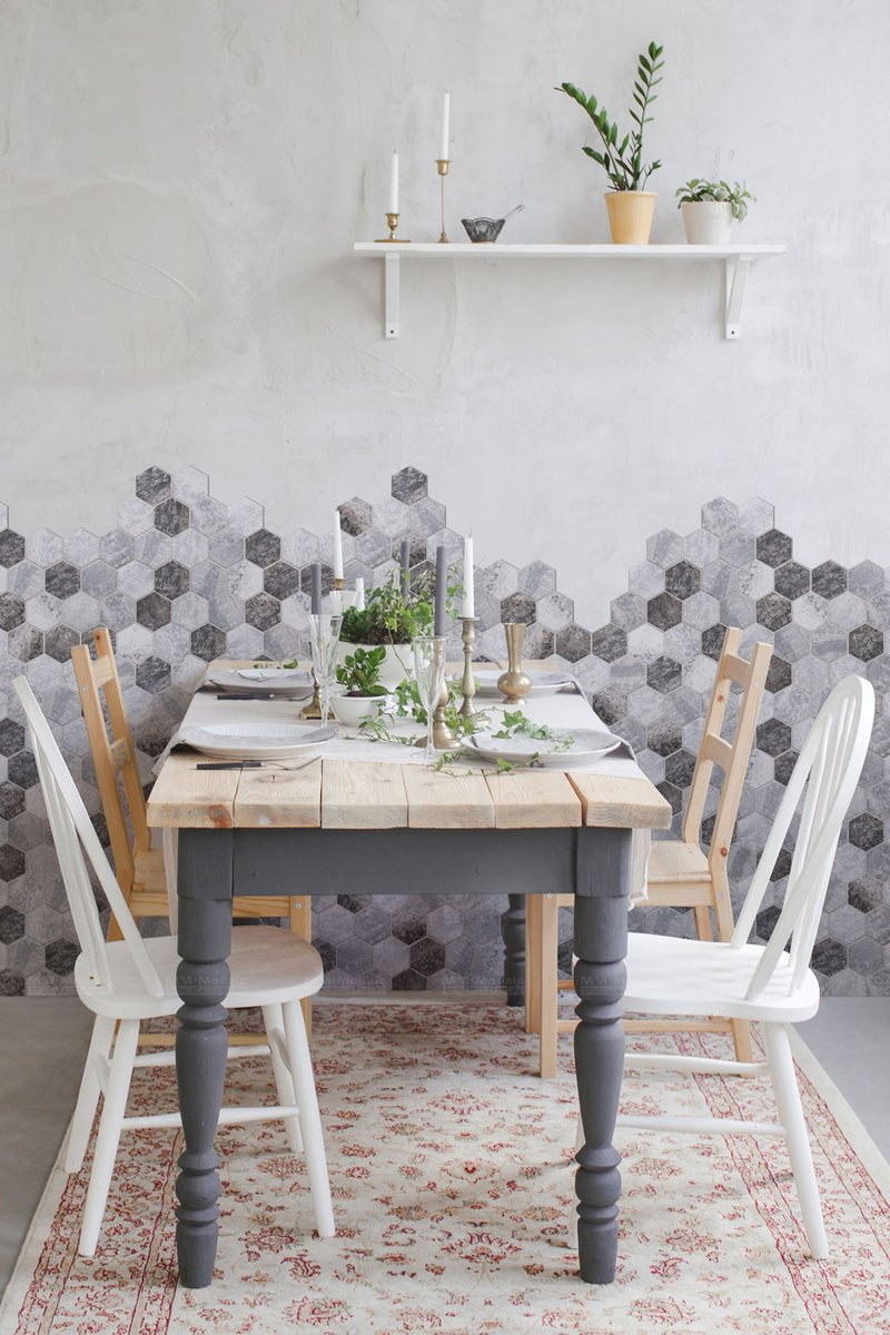 Having a meal or gathering in warming and natural vibe dining room, surrounded by the eco-friendly marble finished recycled glass mosaic. More details here: http://bit.ly/35hRYrO #hexagontiles #recycledglass #tiles #mosaic #walltiles #accentwall #2020tiles #diningroompic.twitter.com/KrPKTTJiL1