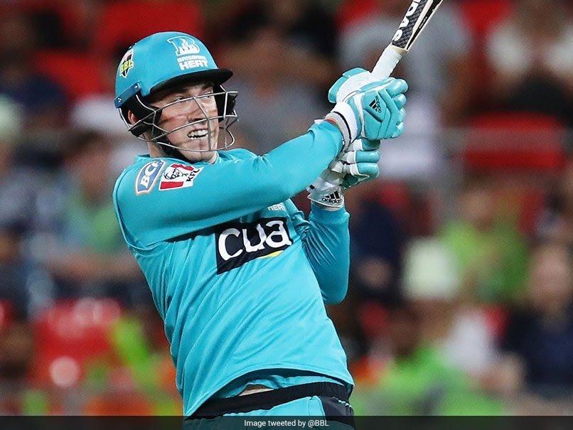 #KolkataKnightRiders new recruit Tom Banton playing for Brisbane Heat in the Big Bash League (BBL), set the Sydney Showground Stadium alight with his 16-ball half-century. One over 30 runs 0,6,6,6,6,6  #srkfcpriyacinemapic.twitter.com/hdUwblU39n