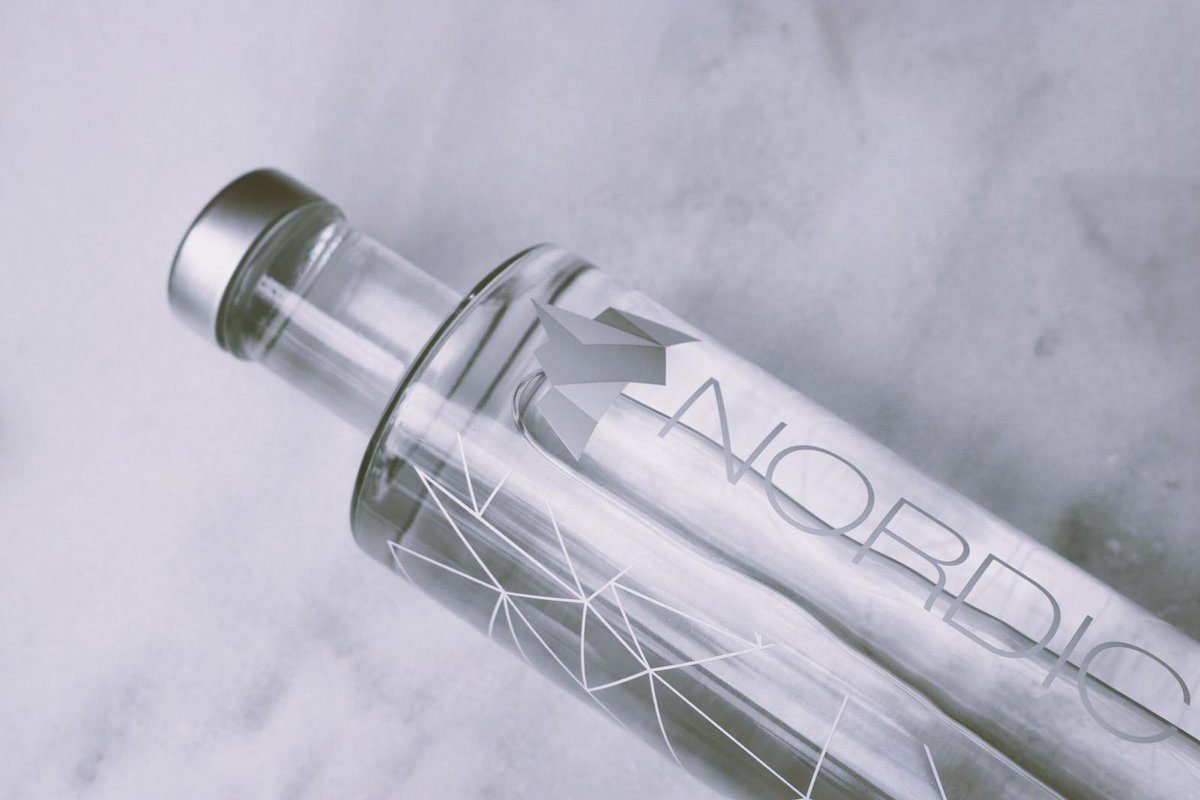 Keep life simple.  #nordicmoments #nordiclife #aguapremium #premiumwater #waterpic.twitter.com/EtIzOVEIVt