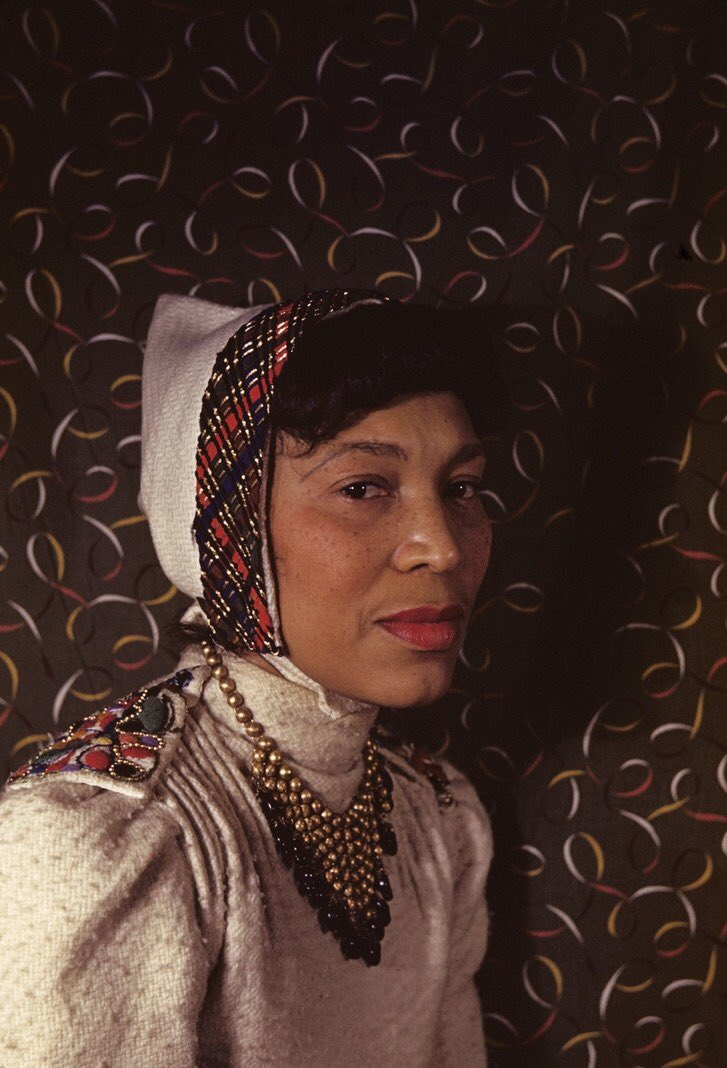 Happy Birthday, Zora Neale Hurston (January 7, 1891– January 28, 1960)!🎈  Hurston was an author, anthropologist & filmmaker. A central figure of the Harlem Renaissance, she examined Black American & Caribbean folklore, & how folklore contributed to race, identity & politics. https://t.co/tueeG5TSIJ