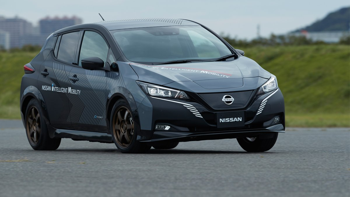 Nissan is elevating the performance capability of electric vehicles with its new twin-motor all-wheel-control technology called e-4ORCE. Find out all about it here -> https://t.co/N1Hhvkq1K1 https://t.co/zXqHPorAw0