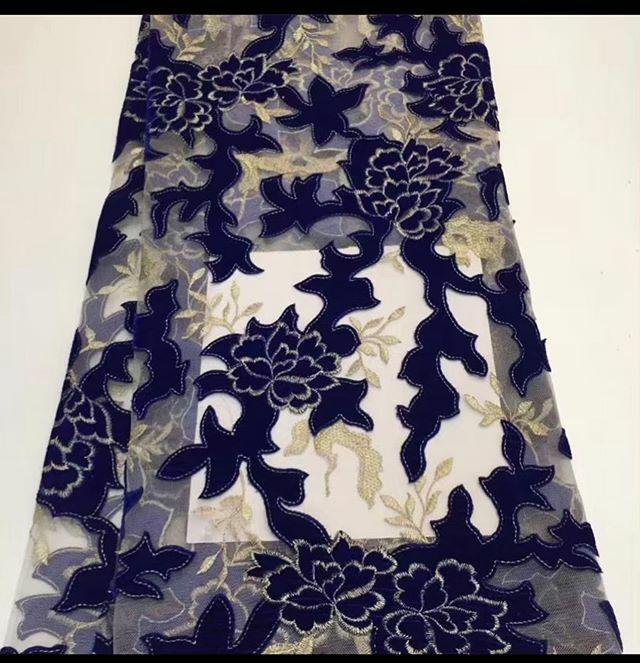 Let ur Fabrics do the talking with @orekelewafabrics  Call/ Whatapp-08031376888  #Asoebi #AsoebiSpecial #fabrics #lace #tulle #weddings #nigerianwedding #weddinguest #partyguest #lagosparties. https://ift.tt/2SXvb2dpic.twitter.com/NVh7dzFCcc