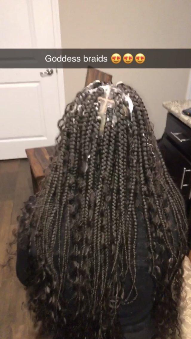 Goddess braids 😍😍   #boxbraids #detroithairstylist #detriotboxbraids #blackgirlmagic #youngdetriotstylist #period #braiding #braidinghairstyles #braidinghair #naturalhairstyles #HAIRPERFECTION #hairstyles #hairgoals #neatbraids #style #protectivestyles #protectivehairstyles