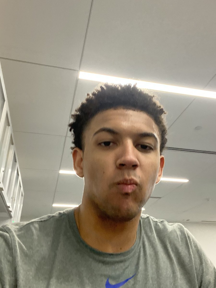 When your rook is a rook.... 🤷🏽♂️🤦🏽♂️😂 @MatisseThybulle why are these in my photos?!