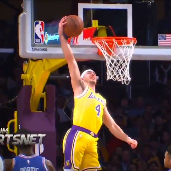 Happy birthday to one of the brightest young superstars in the league... Alex Caruso 🐐  https://t.co/4EP1XdtxIU