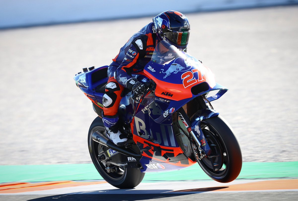 Happy #WheelieWednesday ✊🏻 We're convinced you will be back doing this very soon @LecuonaIker 😉 #KTM #Tech3 #MotoGP @MotoGP #IL27