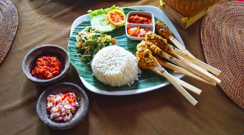 A Foodies Guide to Bali!!   Get to the top treats to experience when in Bali for the first time. https://chethila.livejournal.com/148312.html  #Katamama #SeminyakRestaurants #BaliFoodGuide pic.twitter.com/Y9JoN7J9Tf