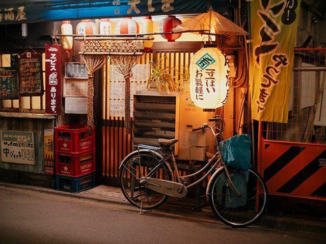 NIGHT WALK IN SHINJUKU 4  #tokyo #japan #japanstreets #tokyophotography  #tokyophoto #agameoftones #photography #lensculturetalent #kodaklosers #panasonicgx9 #lumixphotography #panasoniclumix #voigtlander #voigtlander25mmf095  Memories from a night … https://ift.tt/39O29YJpic.twitter.com/ZWwbpjqjR8