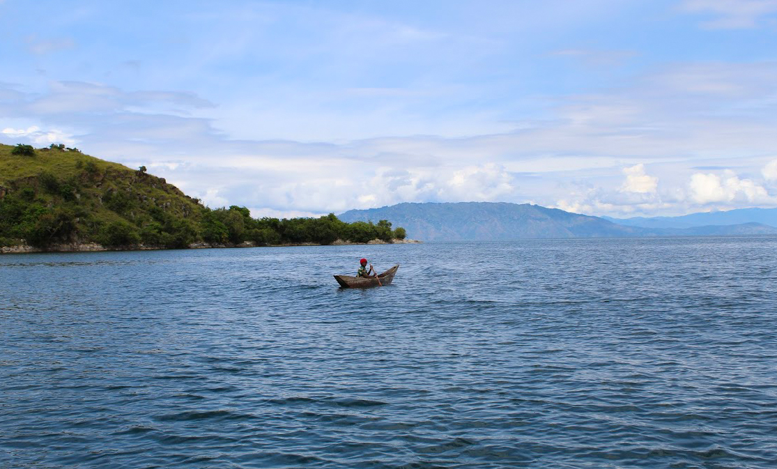 Visit any of the most beautiful places in the world and your life will never be the same!. This is Nyamasheke | Lake Kivu one of the iconic beautiful places of Rwanda #VisitRwanda #Rwandalicious #RwOT @Nyamasheke    @visitrwanda_now https://t.co/gwUDS8JlQI