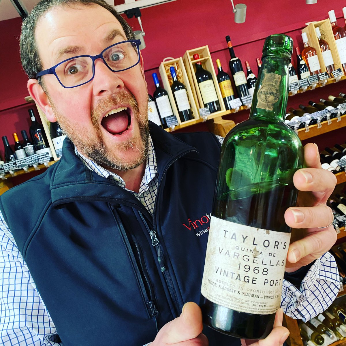 Which one of these two are older - Andy or the #Taylors1968? We opened the port yesterday and it was delicious! Pop into the shop if you want to have a taste. #tryjanuary #vintageport #vintage #oldkingcole #howoldisandy #likelikelike pic.twitter.com/DWTarU9B5W