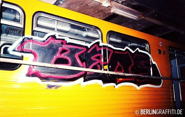 BEOS — #berlin #graffiti #halloffame #berlintrains #berlingraffiti #graffitiberlin #fotoboom #bombing #trains #граффити — © BERLIN GRAFFITI — https://berlingraffiti.de/2019/07/02/fotoboom-beos-special/ … https://www.instagram.com/p/B7EYBcpJp_Y/ pic.twitter.com/LMRP0sTr4l