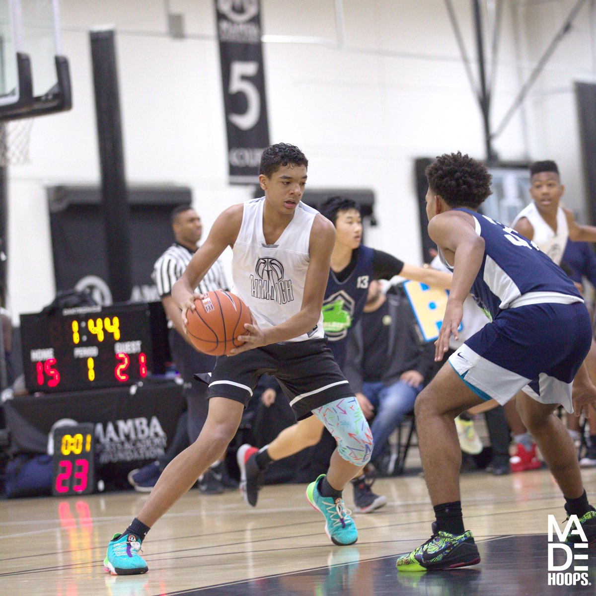 "2024 6'6"" F Micah Smith (Fayetteville, GA) has been the leading producer for Aim High thus far during #WestLea8ue. His motor & length make him a major force on both ends. 🧬📈 https://t.co/O1txNOxuL6"