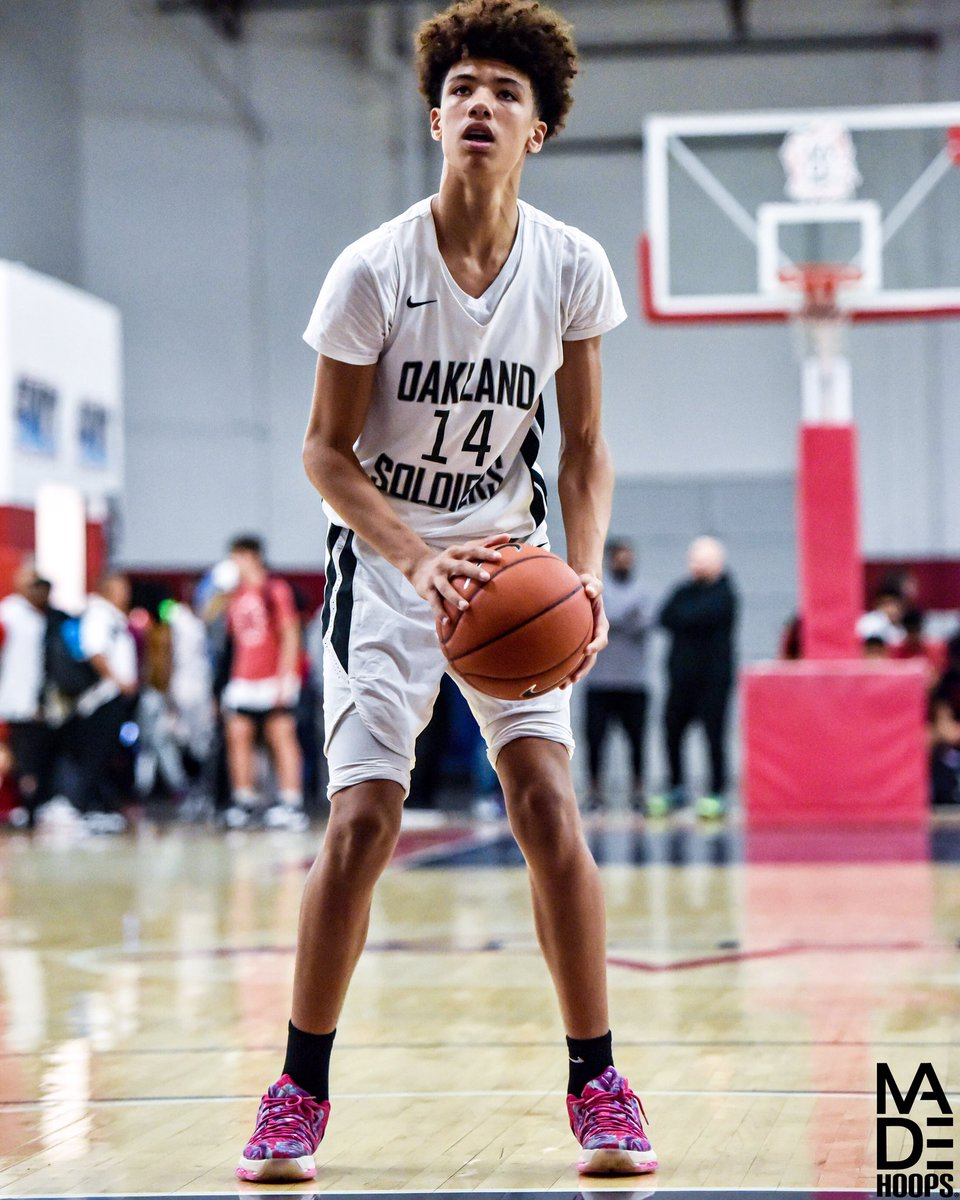 "Buy stock now 📈 in Oakland Soldiers 2024 6'5"" WF Zion Sensley (San Carlos, CA). When he puts the entire package together, he's another player with ability to develop into one of the very best 2024's out West. 🧬 #westlea8ue https://t.co/ChfBnlkp1l"