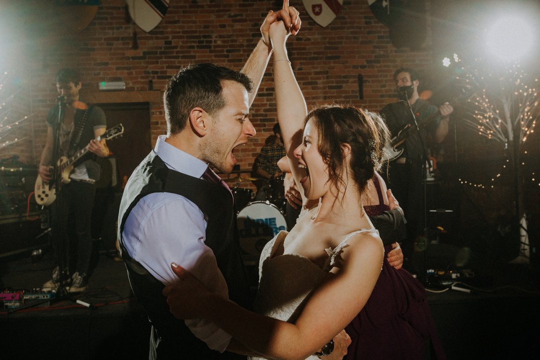 @Warble_Ents list of 25 popular first dance songs for #weddings in 2020 - https://t.co/u7OykYF5X6 https://t.co/2jF5bzQGg4