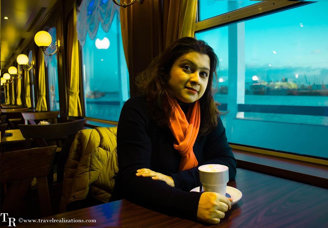 I decided to get inside a ship and see and feel the pulse of the port from the sea. I sat by the window and got the perfect brew with a view. http://bit.ly/36imZfJ ❤️#Travel #wanderer #wanderlust #Travelstory #Explore @visitHamburg @PortofHamburg  #theprettycities