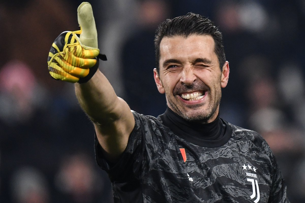 ⚪️⚫️ Still going strong at 41. Gianluigi Buffon 👍  #UCL