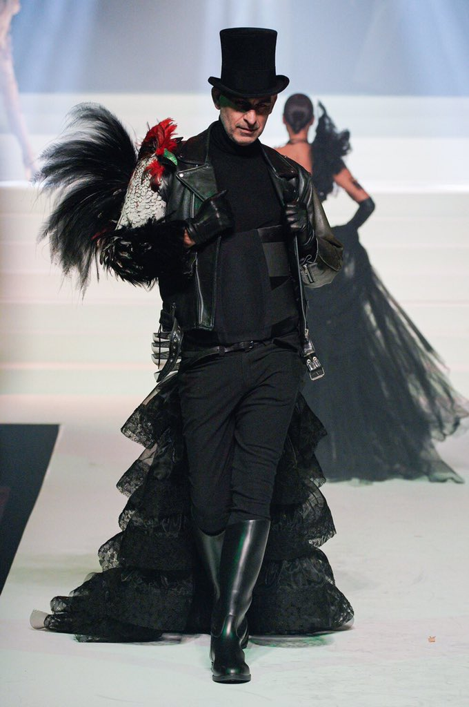 @els_hx #fashionblog from Gaultier's last show <br>http://pic.twitter.com/PmJ1W8rRvZ