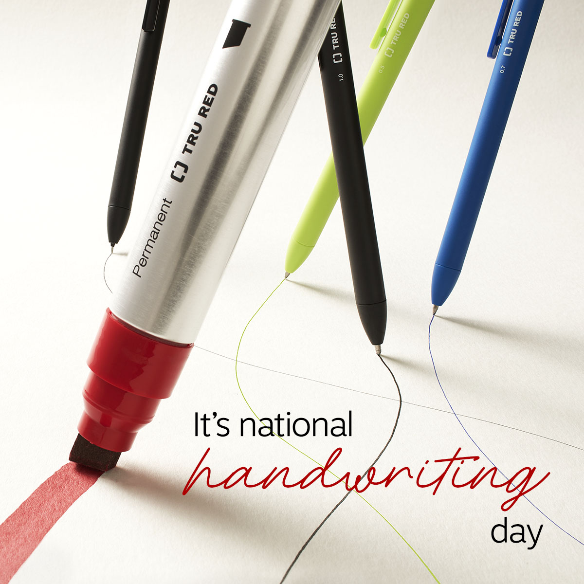 Lefties, cursive writers, all-caps printers and doodlers, do your thing! It's #NationalHandwritingDay so let yours shine. https://t.co/sabsOWX36p