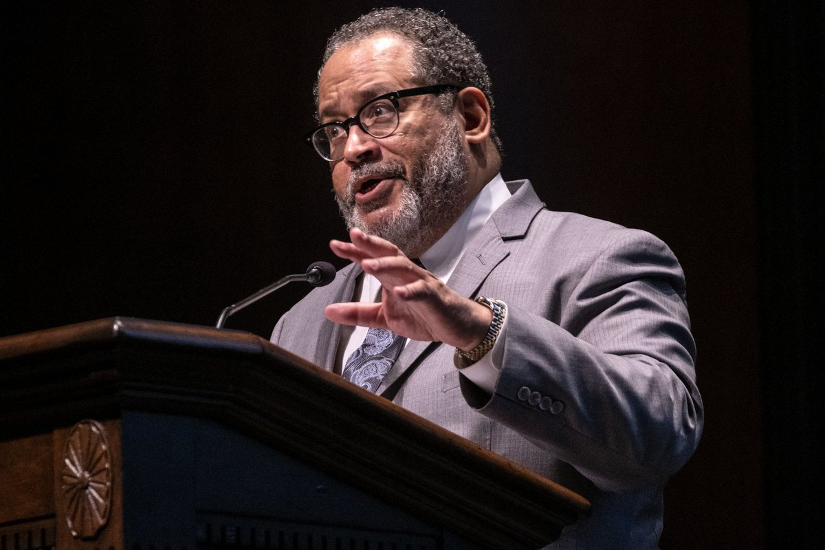 Welcome back to campus @MichaelEDyson! Thank you for inspiring and challenging us at the #UNCMLK Lecture last night and congratulations to the MLK Scholarship and Unsung Hero award winners.