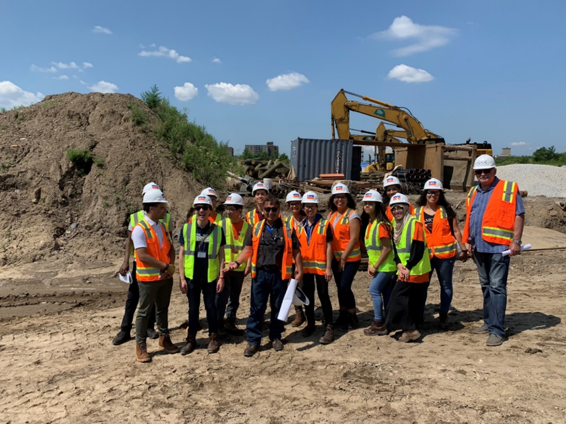 Are you an #NYC high school student looking to pursue a career in architecture, engineering, design, or construction? The deadline to apply for our paid summer #internship program is TOMORROW (1/24). Apply today
