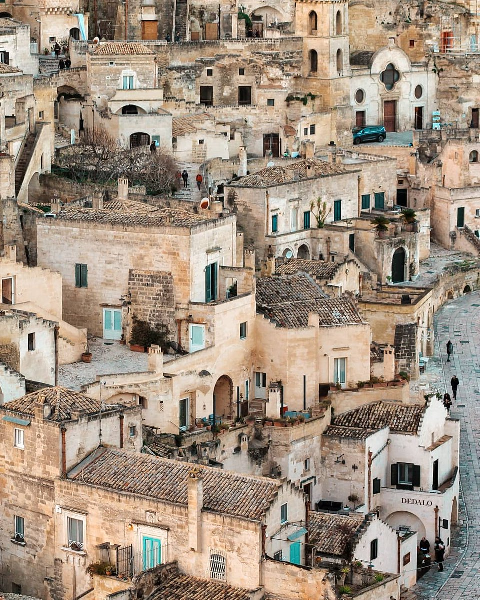 """Matera, where the stone tells an ancient history that has begun more than 10.000 years ago. The city of the """"Sassi"""" is the third-oldest continually inhabited settlement in the world 👉  #TreasureItaly #Matera #UNESCO 📷 IG goldilocksr93"""
