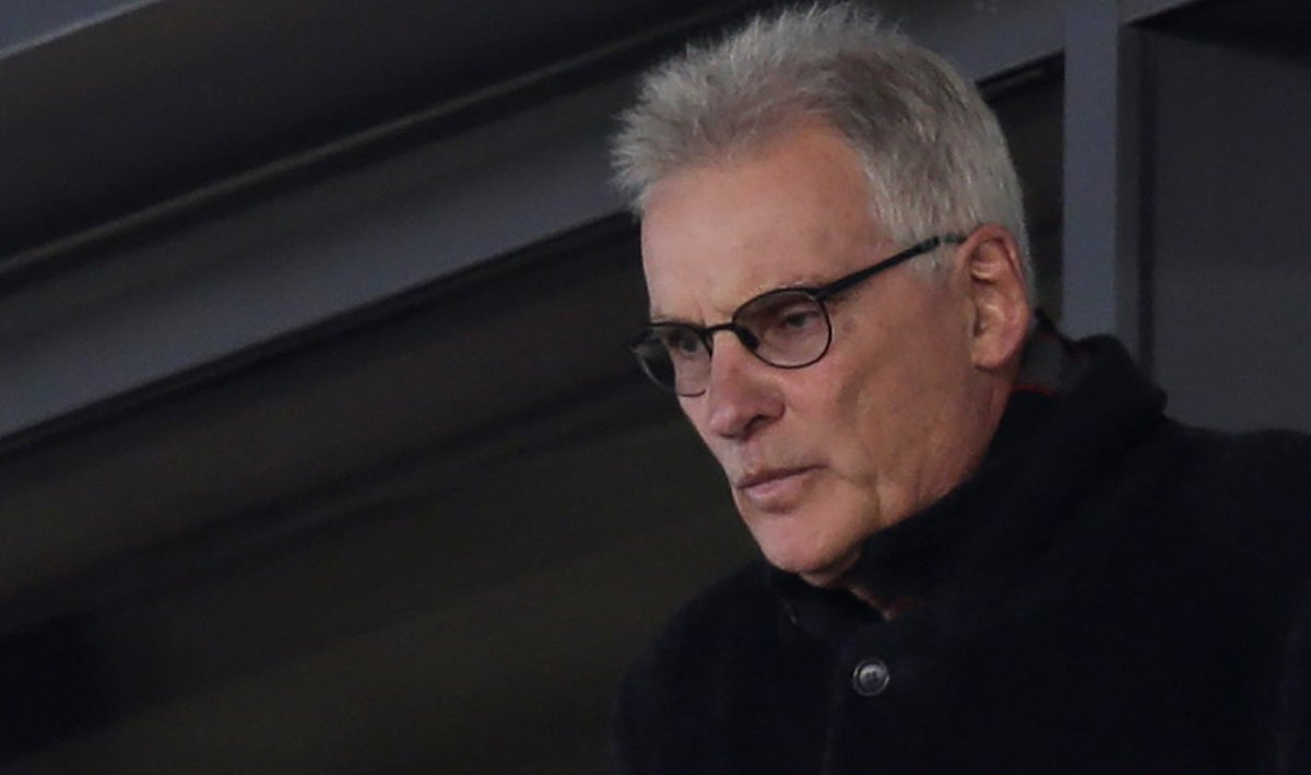"""""""We should have been far better.""""Saracens owner Nigel Wray has apologised for the """"ill-considered approach"""" to salary cap compliance which led to Saracens' relegation.In full: https://bbc.in/37ky5Ch"""