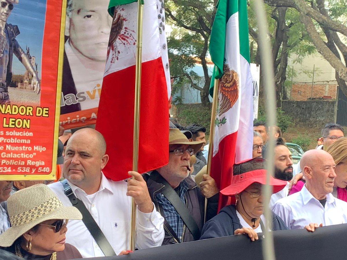 Tras un mensaje del poeta y activista Javier Sicilia, la Caminata por la Paz comenzó su recorrido, partiendo de Cuernavaca, Morelos. 📸 Foto: @moneroponce.