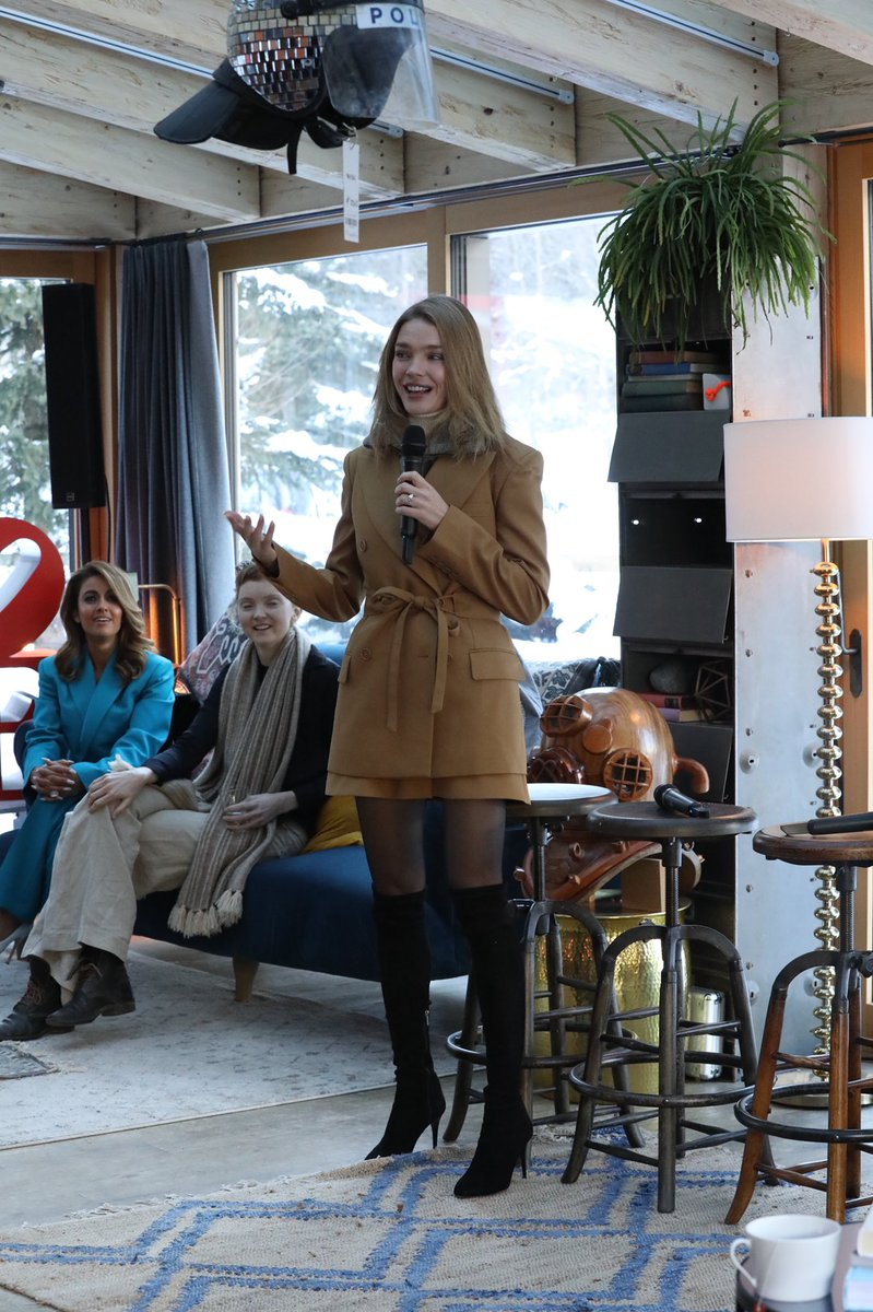 #letstalkdavos done! 🙏🏻to our amazing host @NataSupernova our panel & performers. Was incredible to use the wonderful #DavosHouse space. Huge 🙏🏻 @InsideFreuds for all their support. Awesome 😎 pledges, powerful conversation on #stigma & #taboo surrounding women's health. @UNFPA https://t.co/so6fKIoZnk